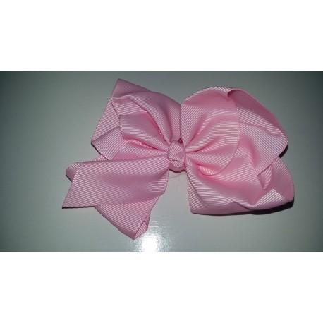 Pinza con lazo básico color rosa
